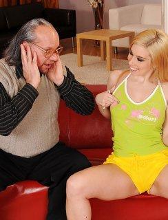 Сперма старика в молодой девушке