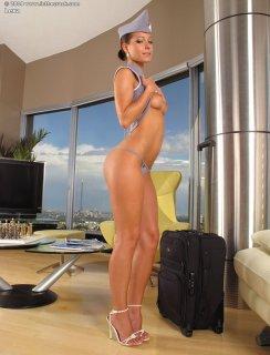 Голая стюардесса с длинными ногами
