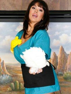 Латинская домработница с большими сиськами