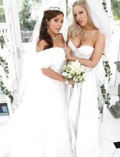 Невесты лесбиянки с большими попами