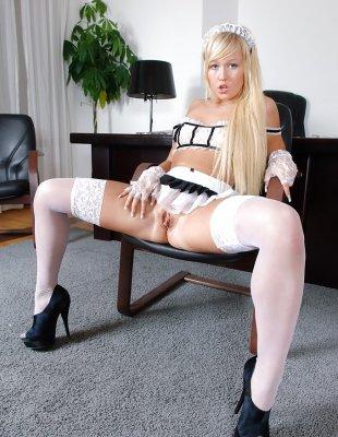 Голая секретарша в офисе