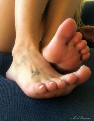 Порно селфи блондинки с красивым телом